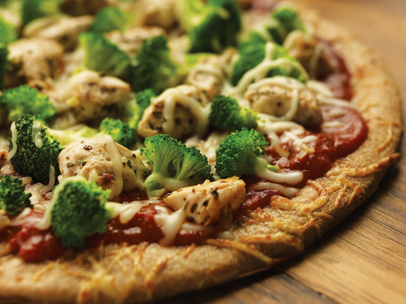 Prosta pizza z brokułami i kurczakiem